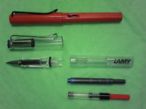800px-lamy_safari_and_vista_with_a_cartridge_and_a_confertor